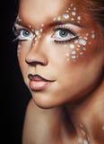 Κορίτσι με τα ελάφια makeup Στοκ φωτογραφία με δικαίωμα ελεύθερης χρήσης