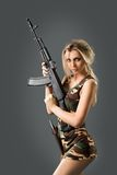 Κορίτσι με τα όπλα Στοκ Εικόνα