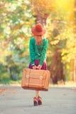 Κορίτσι με την τσάντα Στοκ φωτογραφία με δικαίωμα ελεύθερης χρήσης