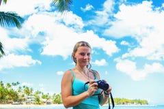 Κορίτσι με τη κάμερα Στοκ Εικόνες