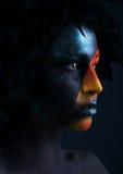 Κορίτσι με τη μαύρη σύνθεση και ζωηρόχρωμο Στοκ Φωτογραφίες