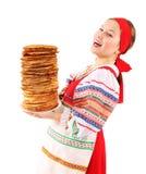 Κορίτσι με τη στοίβα των τηγανιτών Στοκ φωτογραφία με δικαίωμα ελεύθερης χρήσης