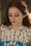 Κορίτσι με τις πεταλούδες Στοκ φωτογραφίες με δικαίωμα ελεύθερης χρήσης
