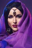 Κορίτσι με το ανατολικό ύφος makeup στοκ φωτογραφία με δικαίωμα ελεύθερης χρήσης