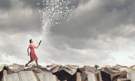 Κορίτσι με το βιβλίο Στοκ εικόνα με δικαίωμα ελεύθερης χρήσης