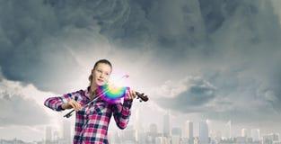 Κορίτσι με το βιολί Στοκ Φωτογραφίες