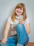 Κορίτσι με το γυαλί Στοκ εικόνες με δικαίωμα ελεύθερης χρήσης
