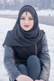 Κορίτσι με το καταπληκτικό πορτρέτο μπλε ματιών Στοκ φωτογραφία με δικαίωμα ελεύθερης χρήσης