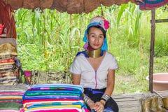 Κορίτσι με το μακρύ λαιμό Karen Στοκ φωτογραφίες με δικαίωμα ελεύθερης χρήσης