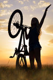 Κορίτσι με το ποδήλατο Στοκ Εικόνες
