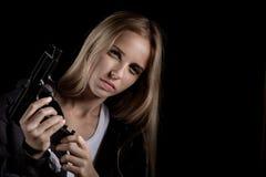 Κορίτσι με το πυροβόλο όπλο Στοκ φωτογραφία με δικαίωμα ελεύθερης χρήσης