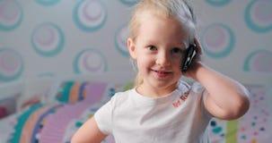 Κορίτσι με το τηλέφωνο φιλμ μικρού μήκους
