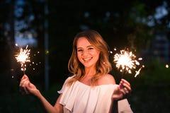 Κορίτσι με το sparkler Στοκ Εικόνα