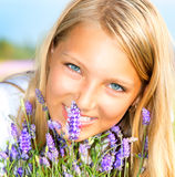Κορίτσι με Lavender Στοκ Εικόνα