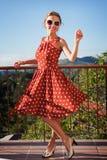 κορίτσι μπαλκονιών Στοκ φωτογραφίες με δικαίωμα ελεύθερης χρήσης