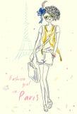 Κορίτσι μόδας στο Παρίσι κοντά στον πύργο του Άιφελ Απεικόνιση αποθεμάτων