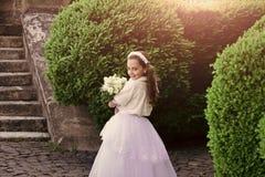 Κορίτσι νυφών, παράνυμφος και γαμήλια τελετή Στοκ Εικόνες