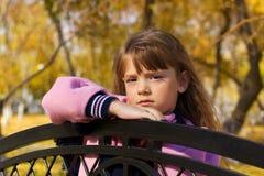 κορίτσι πάγκων λίγα Στοκ φωτογραφίες με δικαίωμα ελεύθερης χρήσης