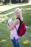 κορίτσι πανεπιστημιουπό&lamb Στοκ φωτογραφία με δικαίωμα ελεύθερης χρήσης