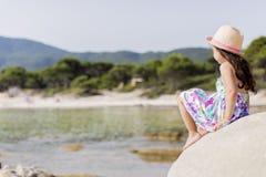 κορίτσι παραλιών λίγα Στοκ φωτογραφία με δικαίωμα ελεύθερης χρήσης