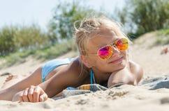 κορίτσι παραλιών εφηβικό Στοκ Φωτογραφία