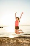 κορίτσι παραλιών τροπικό Στοκ εικόνες με δικαίωμα ελεύθερης χρήσης