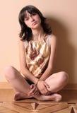 κορίτσι πατωμάτων λυπημένο Στοκ εικόνες με δικαίωμα ελεύθερης χρήσης