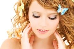 κορίτσι πεταλούδων Στοκ φωτογραφία με δικαίωμα ελεύθερης χρήσης