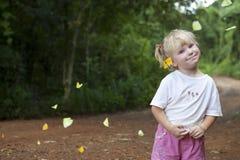 κορίτσι πεταλούδων Στοκ εικόνες με δικαίωμα ελεύθερης χρήσης