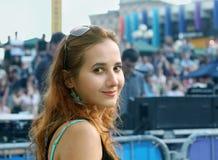 κορίτσι πλήθους Στοκ εικόνες με δικαίωμα ελεύθερης χρήσης