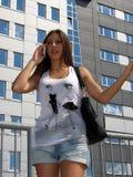 Κορίτσι που δακτυλογραφεί sms, texting με την οικοδόμηση Στοκ Φωτογραφία