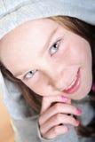κορίτσι που ανατρέχει αρκετά Στοκ Εικόνες