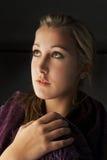 κορίτσι που ανατρέχει νέο Στοκ εικόνες με δικαίωμα ελεύθερης χρήσης