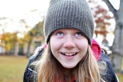 κορίτσι που ανατρέχει Στοκ Εικόνες