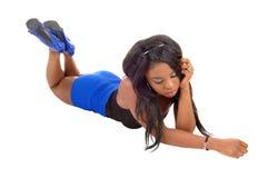Κορίτσι που βρίσκεται στο πάτωμα. Στοκ φωτογραφία με δικαίωμα ελεύθερης χρήσης