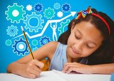 Κορίτσι που γράφει μπροστά από το μπλε κενό υπόβαθρο με τη γραφική παράσταση εικονιδίων βαραίνω τοποθετήσεων Στοκ Εικόνα