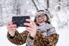 Κορίτσι που κάνει selfie στοκ φωτογραφία με δικαίωμα ελεύθερης χρήσης