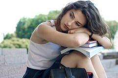 Κορίτσι που κουράζεται της μελέτης Στοκ Φωτογραφία