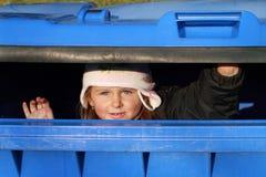 κορίτσι που κρύβει ελάχι&s Στοκ Εικόνες