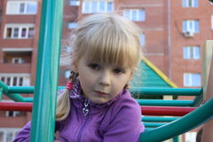 Κορίτσι που παίζει υπαίθρια 18579 Στοκ Φωτογραφία