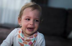 Κορίτσι που φωνάζει στο σπίτι Στοκ Εικόνες