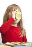 κορίτσι προγευμάτων στοκ φωτογραφία με δικαίωμα ελεύθερης χρήσης