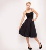 Κορίτσι σε ένα μαύρο φόρεμα στοκ εικόνα με δικαίωμα ελεύθερης χρήσης