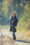 Κορίτσι σε ένα παλτό γουνών Στοκ Εικόνα