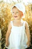 Κορίτσι σε ένα πεδίο σίτου στοκ φωτογραφίες με δικαίωμα ελεύθερης χρήσης