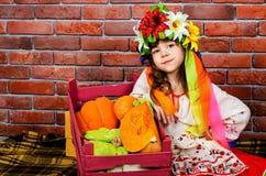 Κορίτσι σε ένα στεφάνι Στοκ φωτογραφίες με δικαίωμα ελεύθερης χρήσης