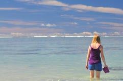 Κορίτσι σε μια παραλία Στοκ Εικόνα