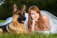 κορίτσι σκυλιών Στοκ Φωτογραφία