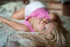 κορίτσι σπορείων όμορφο Στοκ φωτογραφίες με δικαίωμα ελεύθερης χρήσης