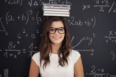 Κορίτσι σπουδαστών με τα βιβλία Στοκ φωτογραφίες με δικαίωμα ελεύθερης χρήσης